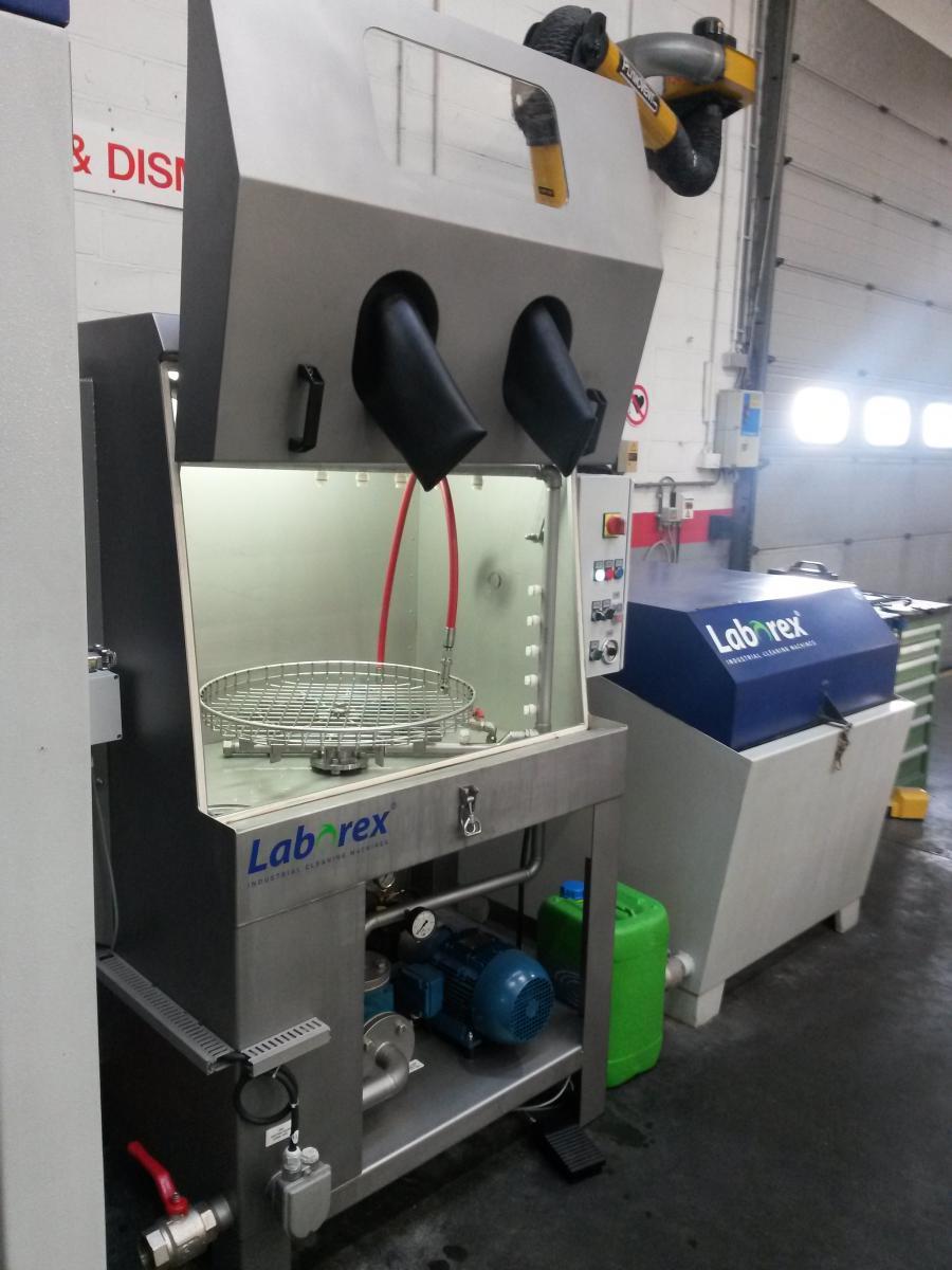 AAN LABOREX - CABINE DE NETTOYAGE A HAUTE PRESSION - TYPE R-MAS 600 RVS/WE