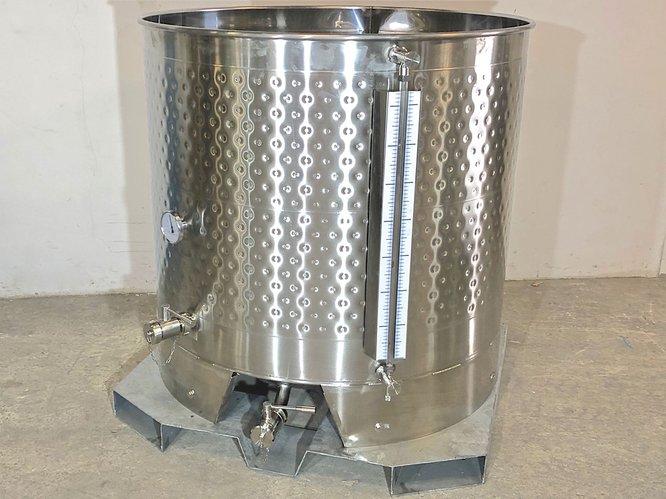 10.82 HL Cuve inox 304 laminé à froid