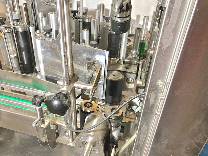 800 - 2500 bouteille/heure MONOBLOC GAI 6043 Capsuleuse, etiqueteuse adhesive Etiqueuteuse linéaire